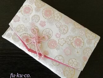 金襴 fu·ku·co. 御朱印帳ケース Mサイズ 白地にピンク丸桜の画像