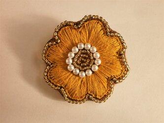 お花ししゅうブローチ(黄色)の画像