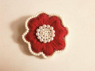 お花ししゅうブローチ(赤)の画像