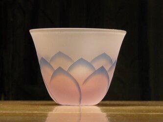 蓮の花のぐいのみ A  薄ピンク×青 (1個)の画像