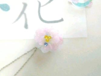 花のネックレス 八重桜の画像