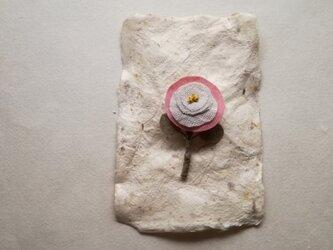 草木染め まるい茜のブローチ001の画像