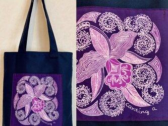 手描き手染めバティックポケットのバッグ〜インドネシアの蘭柄ろうけつ染〜の画像