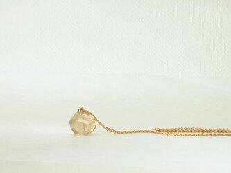檸檬水晶のネックレスの画像