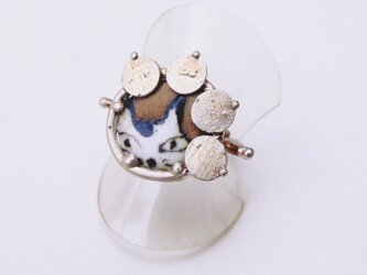 (Thank you,Sold!)アゲ猫(陶芸)×飾屋しろがね  絵付け陶ボタン リングの画像