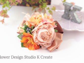布花とオレンジの薔薇とコスモスのヘアクリップ オレンジ 秋色 ヘアクリップ バラ コスモス 髪飾り 発表会の画像