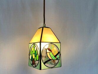 ペンダントライト 木と鳥の画像