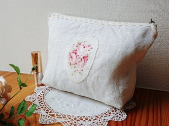 薔薇のアップリケ♪ホワイトリネンポーチの画像