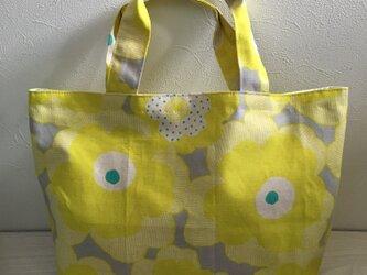 黄色いお花のトートバッグの画像