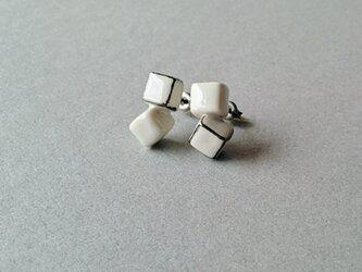 とうきのピアス(white cubes)の画像