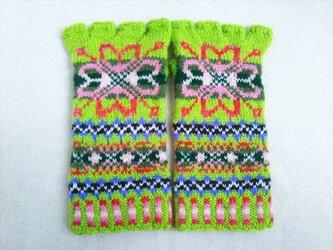 手紡ぎ毛糸の指なし手袋【黄緑とピンク系】の画像