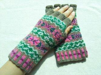 手紡ぎ毛糸の指なし手袋【薄茶とグリーンとピンク】の画像