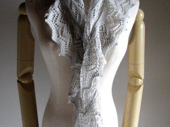 綿リネン三角ショール(ライトグレー)の画像