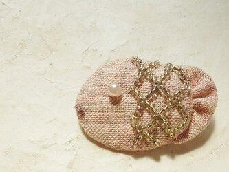 ピンクの深海魚ブローチの画像