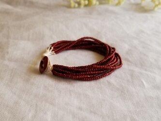シードビーズの10連ブレスレット 赤い小粒の画像