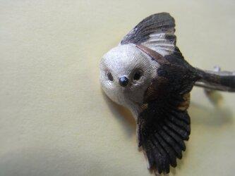 シマエナガのブローチの画像