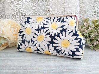 ◆【再販2】マーガレットの清楚ネイビーがま口*バッグかわいいお花フラワー旅行やプレゼントにの画像