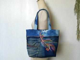 羽と太陽の デニム刺繍バック ~ パッチワーク ジーンズの画像