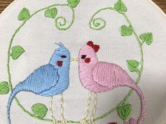 刺繍飾り ラブバードの画像