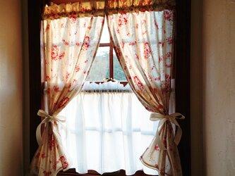 ローズ両開きカフェカーテン(リボン付き)の画像