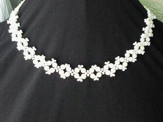 パールビーズのネックレス・クリーム色の画像