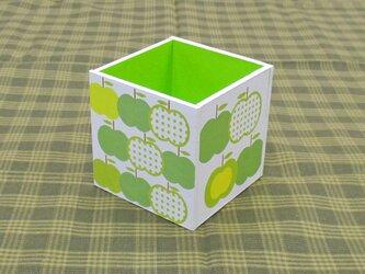 りんごのペン立て(水玉・黄緑)の画像