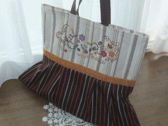 SOLD 花刺繍とタックのストライプバッグの画像