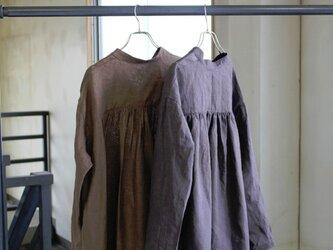 【秋冬NEW】リトアニアリネン100% 後ギャザープルオーバーシャツの画像