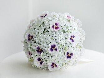 【ブートニア付き】[使用する花の種類・量によりお値段変動あり][納期約7日~10日]オーダーメイドラウンドブーケの画像