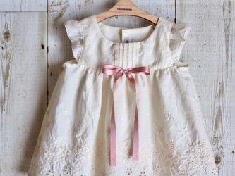 ダッフィーサイズのお洋服 アンティーク風ドレス(リボン10mm)の画像