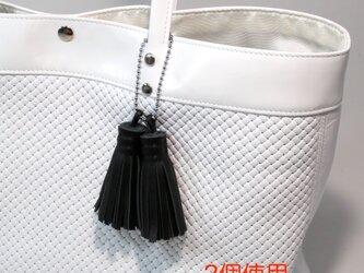 牛革★フリンジ★黒★バッグチャームやキーホルダーとしても★仕事通勤(9901)の画像