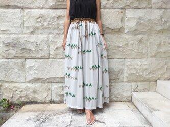 木版プリント/森の模様。ニットスカートの画像
