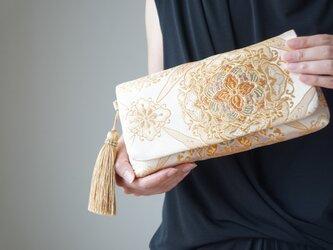 【ベージュ&ゴールド シルク帯 2wayクラッチバッグ& ハンドバック】結婚式、パーティー、日常使いに。帯リメイク 帯バッグの画像