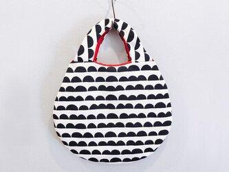 半円模様のまるバッグの画像