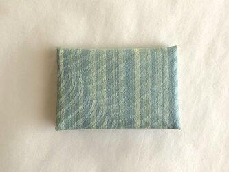 絹手染カード入れ(縦・スモーキーグリーン)の画像