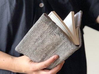 不揃い不完全の魅力・シンプルぐし縫いブックカバーの画像