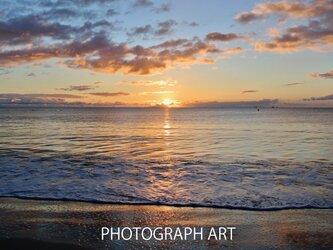 SEA W006   海 朝日 夕日 太陽 浜辺 砂浜 SUN  水色 オレンジの画像