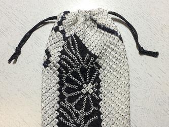 ミニ巾着~白黒絞り(絹)の画像