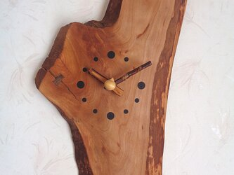 天然木の山桜のかけ時計の画像