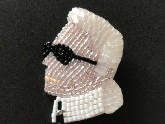 K.L ビーズ刺繡ブローチの画像