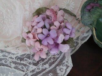染め花 すみれの花束コサージュ 布花の画像