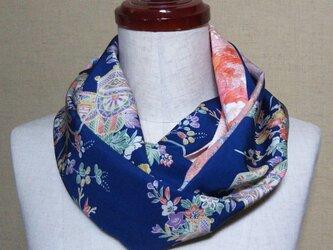 着物リメイク 花、華、はな上品な古典花模様の小紋着物からお洒落なスヌードの画像