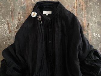 ちいさなマーガレット標本。suMire-bouquet布花コサージュの画像