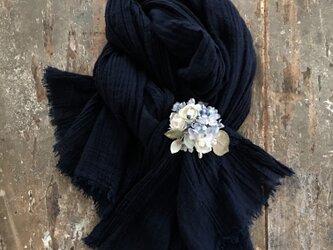 ー青い実の丸ブーケー。。。suMire-bouquet布花コサージュ。結婚式などの画像