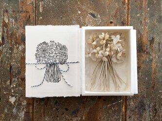 ーIvory菫の花束ー。。。suMire-bouquet布花コサージュ。の画像