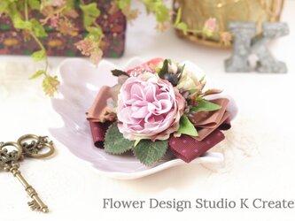 ビジューな秋色の薔薇のヘアクリップ くすみピンク 秋色 ヘアクリップ バラ リボン 髪飾り 発表会の画像