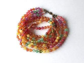 実りの色の4連ネックレス /アクリルビーズの画像