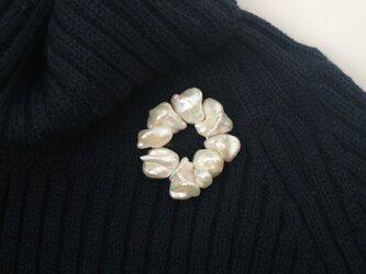 ドラマティックバロックの真珠サークルの画像