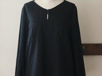 【sale】ビッグポケットのブラウス ブラック(M)の画像
