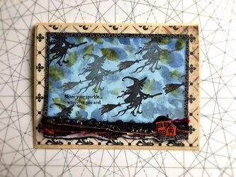 空飛ぶ魔女のカードの画像